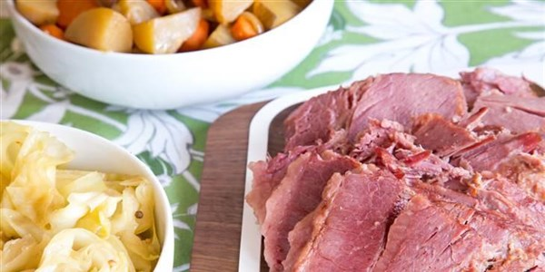 Slow-Cooker Corned Beef and Cabbage