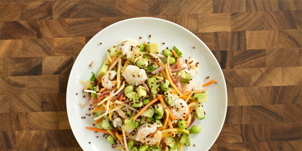 asiatisk Shrimp and Carrot Slaw