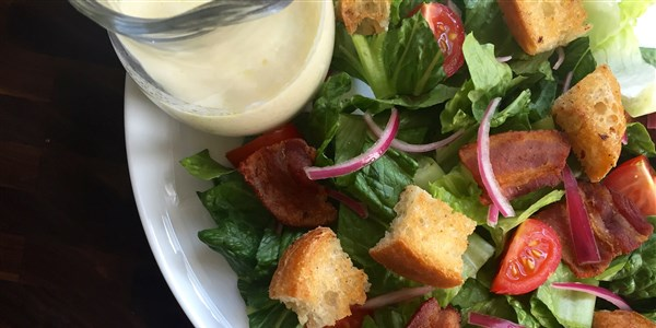 Rask and Easy BLT Salad with Pickled Onions