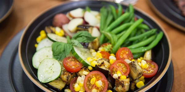 Sommer Vegetable Salad with New Potatoes
