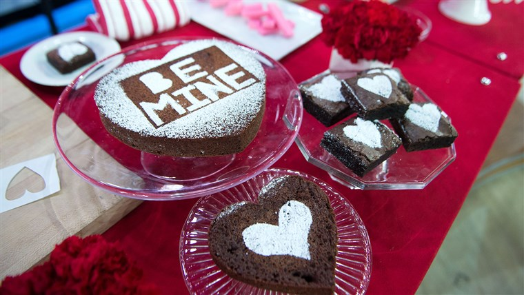 Justin Chapple of Food & Wine's Mad Genius Tips, shares five fun food hacks for Valentine's Day. Treat your sweetheart to confetti pancakes, heart-stenciled brownies, white chocolate ice cream bowls and more. TODAY, February 13 2017.
