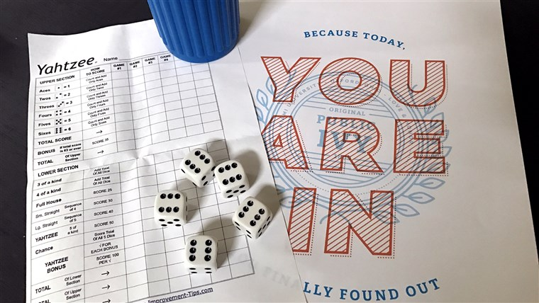 Aan het wachten for colleges to say your kid is accepted is like waiting to roll the perfect Yahtzee!