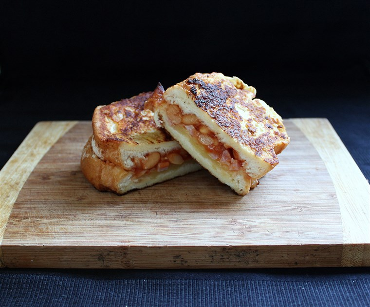 Pieczony Bean French Toast Sandwich