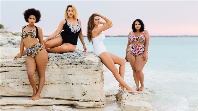 Grote maat models pose for a new swimsuit calendar.