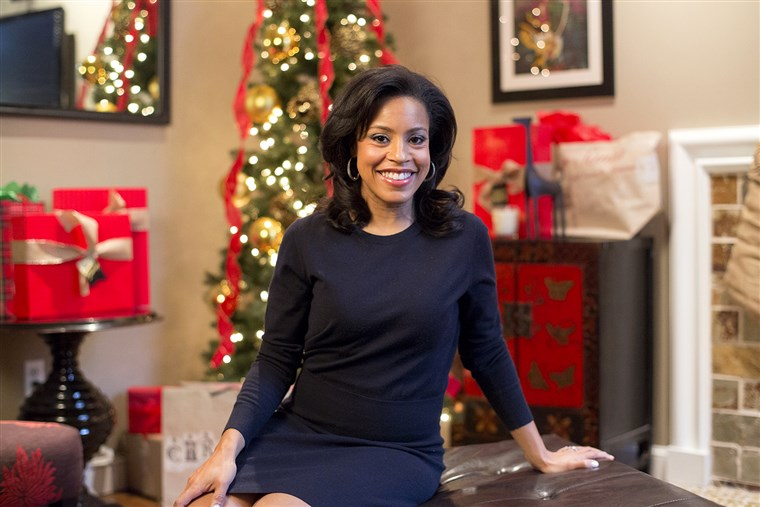 I DAG Show: Sheinelle Jones gives a tour of her holiday-ready home for At Home With TODAY on December 17, 2014.