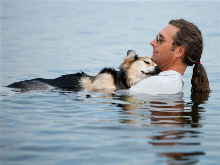 Beeld: John Unger and Schoep the dog