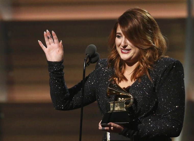 Bilde: Singer Meghan Trainor accepts the Best New Artist award at the 58th Grammy Awards in Los Angeles
