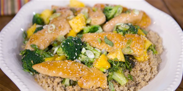 Ananas Chicken with Broccoli
