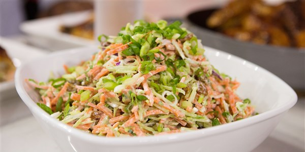 Zonnig's Easy Broccoli and Carrot Slaw