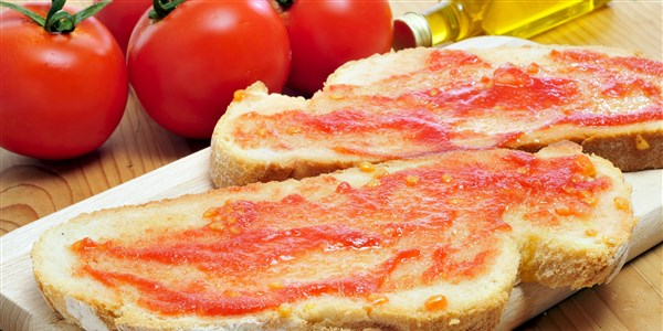Panne Con Tomate (Catalan Bread and Tomato Tapas)