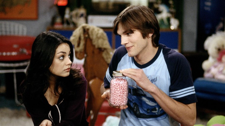 Bilde: MILA KUNIS & ASHTON KUTCHER THAT '70S SHOW (1998)