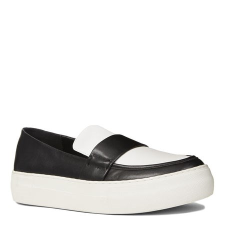 Nove West sneakers