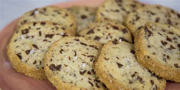 Asin Butter and Chocolate Chunk Shortbread Cookies