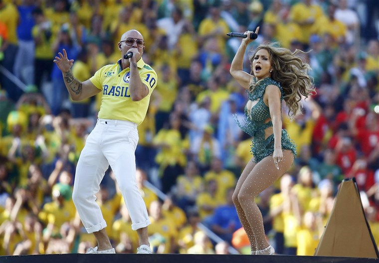 BILDE: Singers Jennifer Lopez and Pitbull