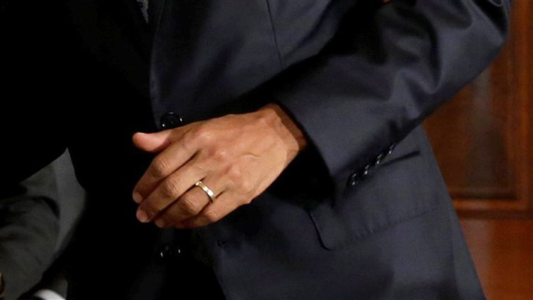 ONS. President Barack Obama's hand with wedding ring
