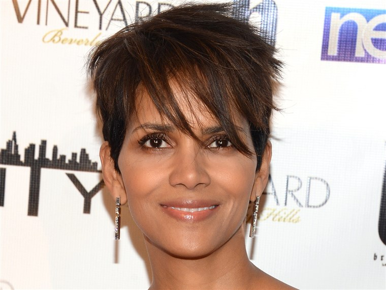 Schattig short haircuts: Halle Berry
