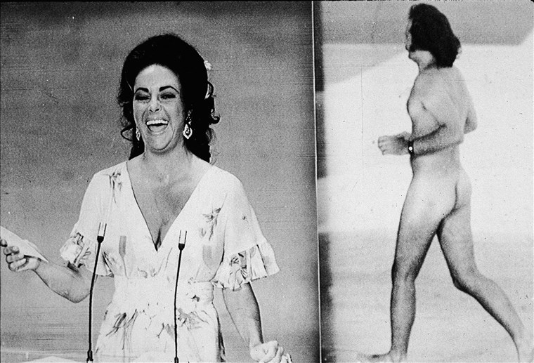 Elizabeth Taylor Reacts To Streaker At Oscars