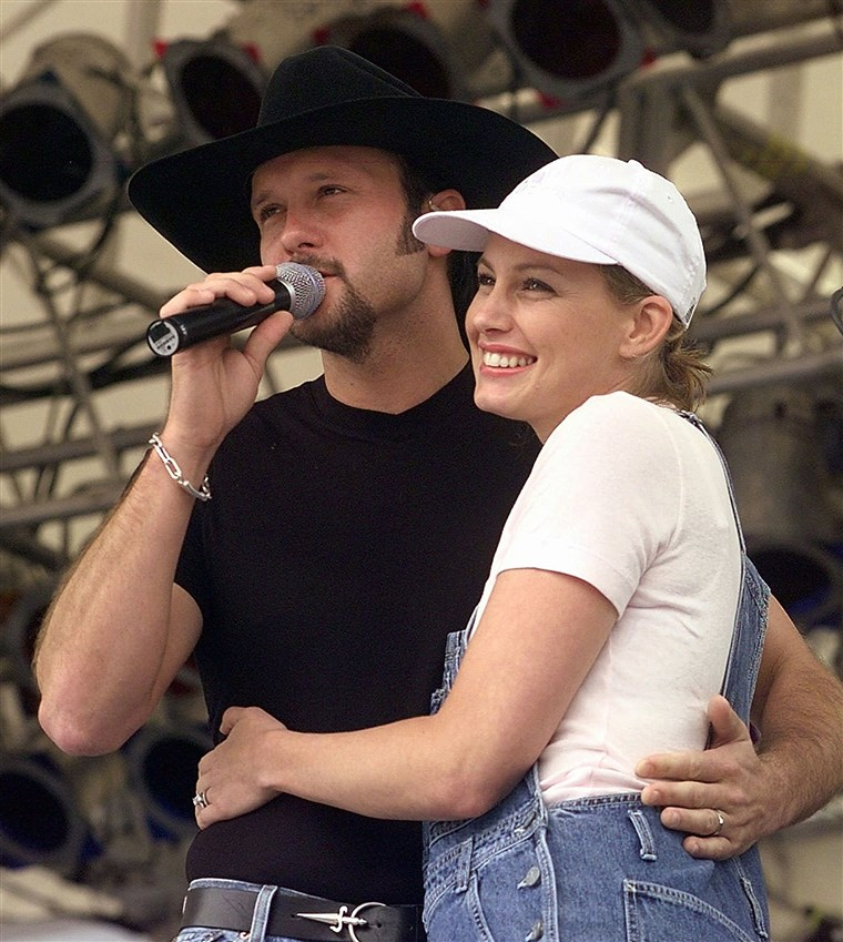 Fé Hill and Tim McGraw