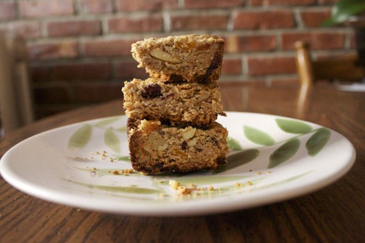 Quer to play it extra safe? Make your own granola bars.