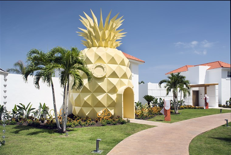 Ananas shaped villa in Punta Cana